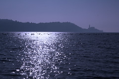 Piran de azul (chocolate_buttons) Tags: blue sea water silhouette azul reflections lights luces mar agua afternoon sunday slovenia piran silueta fado domingo eslovenia tarde adriatic reflejos adriatico lura ponciana picturingthesoundtrackformylife