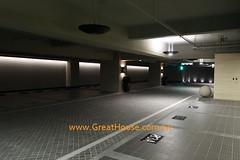 聯聚怡和 全石材鋪設而成的停車場