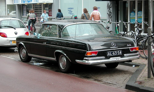Respot of a 1969 Mercedes-Benz 280 SE 3.5 Coupe