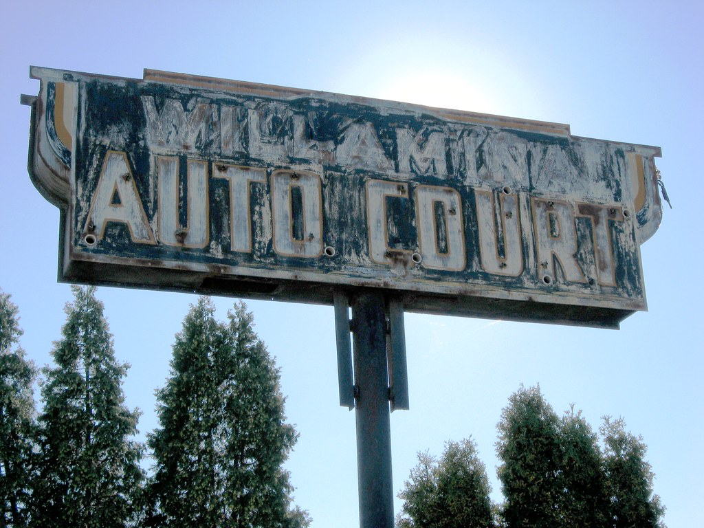 Willamina Auto Court, Oregon (Vintage Motel Sign)