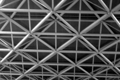 24 aot 2007 Cathdrale d'Evry Plafond (1) (melina1965) Tags: leica blackandwhite bw church lumix iron ledefrance cathedral noiretblanc churches cathedrals august ceiling panasonic cathdrale glise 2007 aot plafond essonne cathdrales glises fx10 vry cathdraledvry saintcorbinien cathdraledelarsurrection