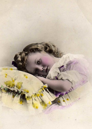 Vintage Postcard ~ Sweet Little Girl par chicks57