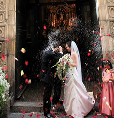 Fusillade of Fun (jurvetson) Tags: barcelona wedding flower church topf25 shower petals spain rice superaplus aplusphoto heromovie