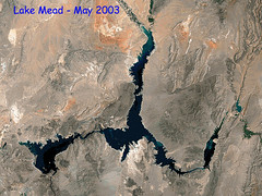 Lake Mead Water Level - High to Low (2000-2003) - Animated GIF File (kocojim) Tags: lake image dam nasa lakemead drought hoover animated gif mead waterlevel kocojim lakemeadnationalrecreationarea