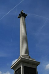 Nelson's Column (Strangelove 1981) Tags: uk blue england london nelson nelsons column nelsonscolumn 5photosaday