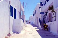 Cicladas (Ray spain) Tags: street summer blanco azul calle mediterraneo greece grecia heat verano calor koufonissia egeo koufonissi cicladas ciclades