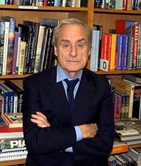 Sir Harold Evans 3 Shankbone 2009 NYC (david_shankbone) Tags: photographie creativecommons fotografia bild 2009 journalists strandbookstore צילום 写真 사진 عکاسی 摄影 fotoğraf تصوير 创作共用 фотография 影相 ფოტოგრაფია timesoflondon φωτογραφία haroldevans छायाचित्र fényképezés 사진술 nhiếpảnh фотографи простыелюди 共享創意 фотографія bydavidshankbone আলোকচিত্র クリエイティブ・コモンズ фатаграфія tinabrownshusband mypaperchase криейтивкомънс مشاعمبدع некамэрцыйнаяарганізацыя tvůrčíspolečenství пултарулăхпĕрлĕхĕсем kreativfælled schöpferischesgemeingut κοινωφελέσίδρυμα کرییتیوکامانز‌ kreatívközjavak შემოქმედებითი 크리에이티브커먼즈 ക്രിയേറ്റീവ്കോമൺസ് творческийавторский ครีเอทีฟคอมมอนส์ கிரியேட்டிவ்காமன்ஸ் кријејтивкомонс фотографічнийтвір فوتوجرافيا puortėgrapėjė 拍相 פאטאגראפיע انځورګري ஒளிப்படவியல்