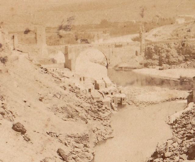Restos demolidos del Artificio de Juanelo. Fotografía tomada entre 1868 y 1870 por Jean Andrieu (detalle)
