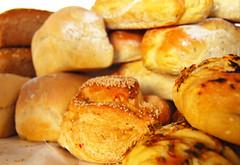 breads of our labour (Scorchez) Tags: donvalleybrickworks brickworks evergreen clay quarry bayviewave brickworksfarmersmarket farmersmarket toronto ontario canada redevelopment bread localfood local food bestofthebest keeper
