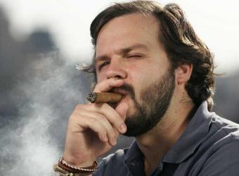 Nacho_Uriarte fumando