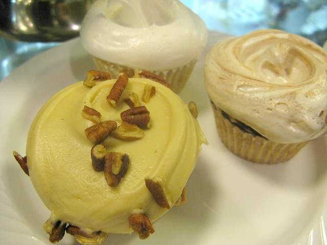 Magnolia Bakery's Fall cupcakes by Caroline on Crack