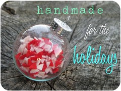 holiday button 2
