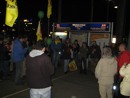 Spontane Castor-Demo am Bahnhof Kassel-Wilhelmshöhe
