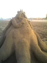 Idolo2 (Evil Preacher) Tags: playa arena escultura dolo