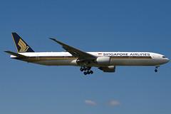 9V-SWH - 34573 - Singapore Airlines - Boeing 777-312ER - 100617 - Heathrow - Steven Gray - IMG_5153