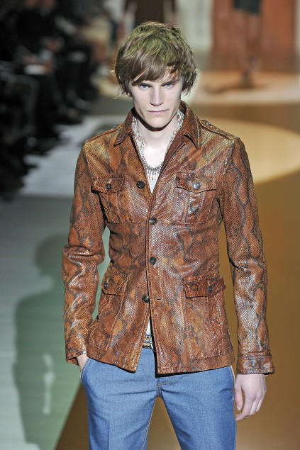 Anthon Wellsjo3040_SS11_Milan_Gucci(first VIEW)