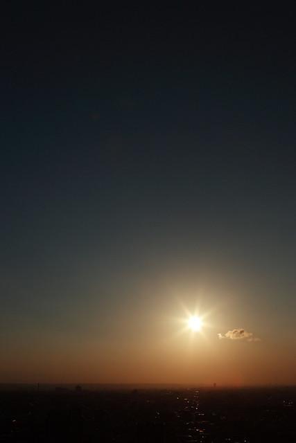 夕刻の闇空