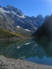 Lake Marian, Fiordland (tobybear) Tags: blue newzealand sky lake mountains nature water landscape geotagged scenery view stones reflect valley vista outlook pure aotearoa soe downunder marian neuseeland novazelndia nieuwzeeland pristine nuevazelanda lakemarian  landscapephotography nuovazelanda scenicvista landscapescenery newzealandholiday nyazeeland nouvellezlande  nowazelandia  uusiseelanti scenicphoto lanscapephoto beautifulnewzealand scenicphotography newzealandsights  newzealandtravel travelnewzealand naturenewzealand hollyfordvalley   yenizelanda newzealandbeauty pleasantscenery novizeland novzland   lordoftheringscountry cleangreennewzealand scenicsplendour