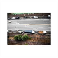 trucks on the street (BaeJunIk) Tags: samsung 14m ois 720p h264 166mm ultraslim samsungdigitalcamera st70 samsungcamera 5xzoom smartauto samsungimaging intellistudio20 tl110 27lcd