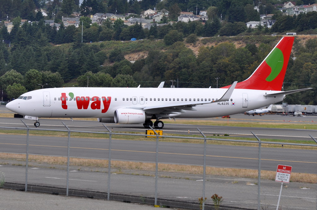T'Way Air - Boeing 737-800 - HL8235 - King County International Airport - Boeing Field (BFI) - September 9, 2010 1 296 RT CRP