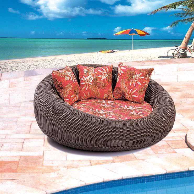 Rolly-Outdoor-Lounge-Chair