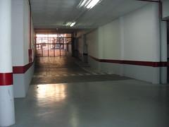Garaje con buen acceso en la Avd. Mediterraneo Benidorm. En su inmobiliaria Asegil en Benidorm le ayudaremos sin compromiso. www.inmobiliariabenidorm.com