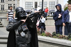 Darth Vader plays violin (craigowaffles) Tags: street canada starwars pacific northwest britishcolumbia humor victoria violin pacificnorthwest fiddle darthvader performer 2007 darthfiddler