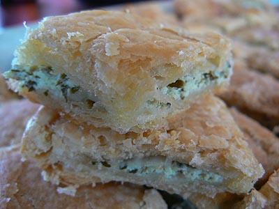 feuilletés au fromage et aux herbes.jpg