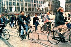 protesta contra armas nucleares. Amsterdam 2001. - by AnaLuciaJimenez