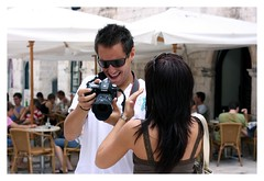 whow, look at that! (wunderskatz) Tags: man girl smile canon photographer pfaff dubrovnik manikin maniqin wunderskatz