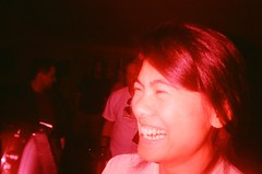 laughy laughy (poopoorama) Tags: film washington lomo flickr meetup samsung bbq gina 100 sultan colorsplash flickrite c41 seattleflickrmeetup flickr:user=singlemalt