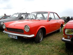 Fiat 124 sport rouge (gueguette80 ... non voyant pour une dure indte) Tags: old red cars sport rouge italian fiat 124 autos 2010 picardie somme anciennes redcars italiennes quivieres
