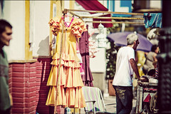 Sevilla - Yellow dress (manlio_k) Tags: yellow sevilla dof dress market flea siviglia