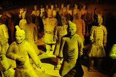 terracotta army (harald_kirr) Tags: china colour art public soldier army cool asia earth terracotta chinese mausoleum xian terracottawarriors planet warrior vault terra kirr qinshihuangdi terracottaarmyterracottaarmy gishihuang