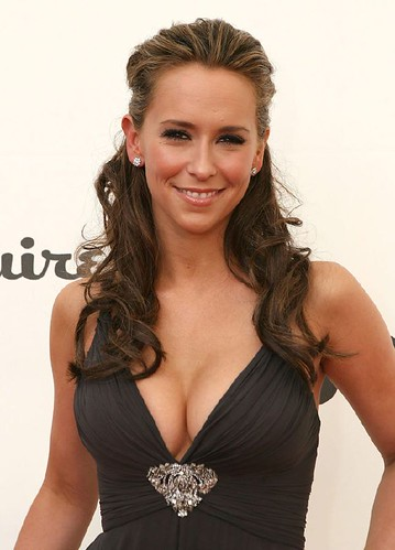 Sexy Celeb Photo of Jennifer Love Hewitt Cleavage