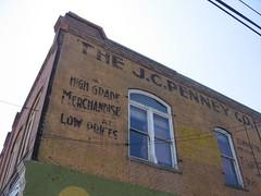 アメリカ老舗百貨店「JCPenney」の鬼気迫るCM