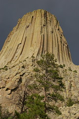 Devil's Tower (marcy pics) Tags: park sky tower field close ominous devils alien aliens kind national third devilstower encoutners