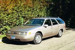 1994 Ford Taurus LX (Crown Star Images) Tags: cars ford car station wagon beige estate 1993 93 taurus mycar 38 stationwagon lx fomoco estatewagon henryford estatecar 4door shootingbrake fordmotorcompany longroof