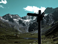 ^^^^^^ (sim.) Tags: italien italy mountain lake alps berg see alpen mountainlake bergsee sdtirol altoadige southtyrol algund seebersee