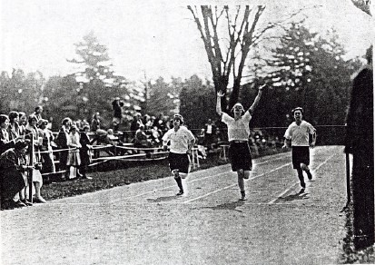100 yd dash Field Day 1925 Maria Leiper '28