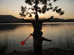 Siluetas vespertinas (EULALIA2010) Tags: lago sanjuan puestadesol baolas jorgeyjeanblai palaroja