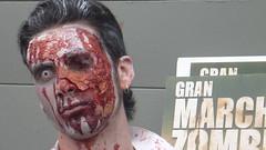 Zombie Walk, Santiago, Chile (ardillapensadora) Tags: blood zombie walk brains zombies marcha putrid cerebros voodo monjanunnananannyaliciaalicejesusjebusfridamariolluigibernardoohigins putrefactos podridosverdesmuertosdeathdeadwalking zombiewalkbicentenario