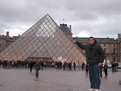 Heh! (TheGirlsNY) Tags: paris louvre pyramidedulouvre