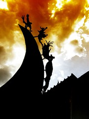 FOTOMARATON  MEDELLIN 2007     MONUMENTO A LA RAZA - Rodrigo Arenas Betancur (Luz Adriana Villa A.) Tags: silhouette backlight canon contraluz colombia powershot escultura 25 villa faves silueta medellin esculpture antioquia alpujarra raza luza a430 supershot 25faves 7dejuliode2007 rodrigoarenasbetancurfotomaraton naturessilhouettes luzadrianavilla luzavilla
