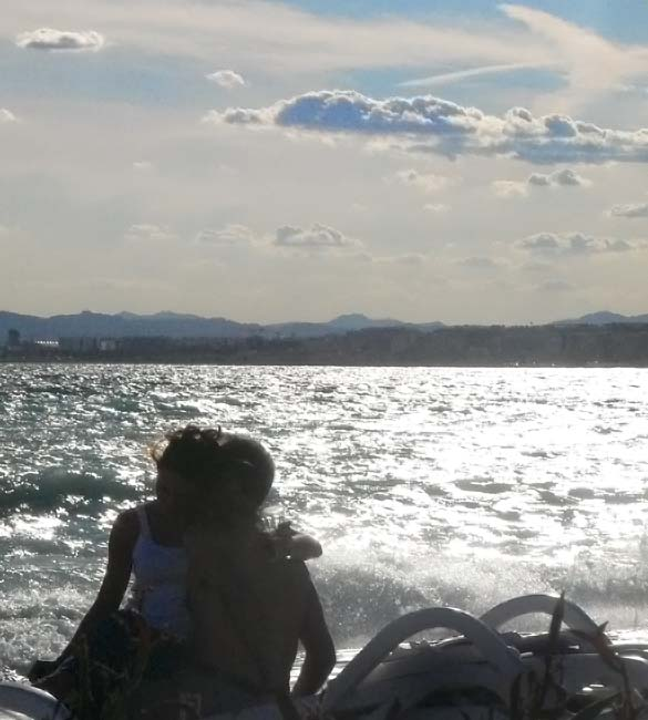 beach-lovers2-40310