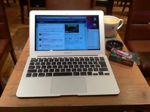カフェとMacBook Air