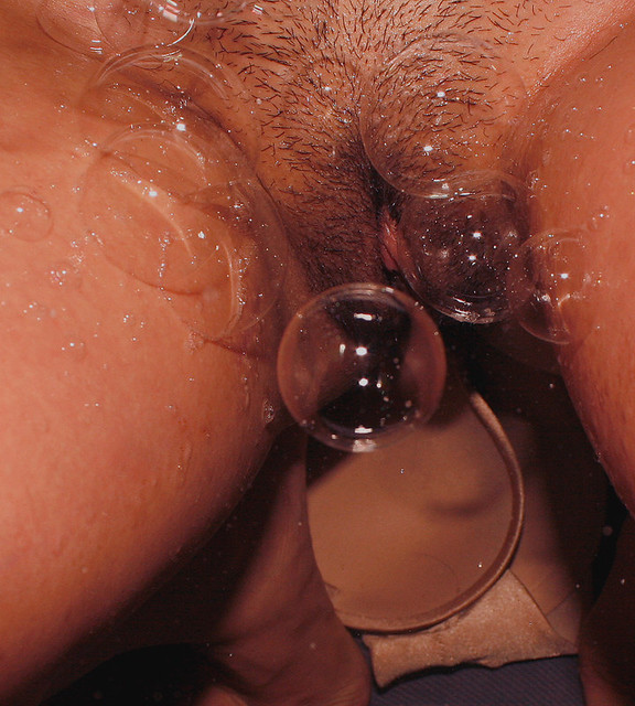 Pussy-and-Bubbles-12