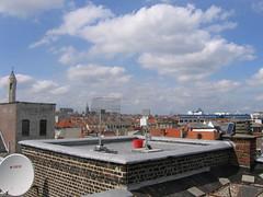 Okno Network antennas (dimipiraat) Tags: brussels rooftop skyline geotagged solarpanel wifi wireless brussel antenna okno code31 rseaucitoyen geo:lon=4342011 geo:lat=50854755