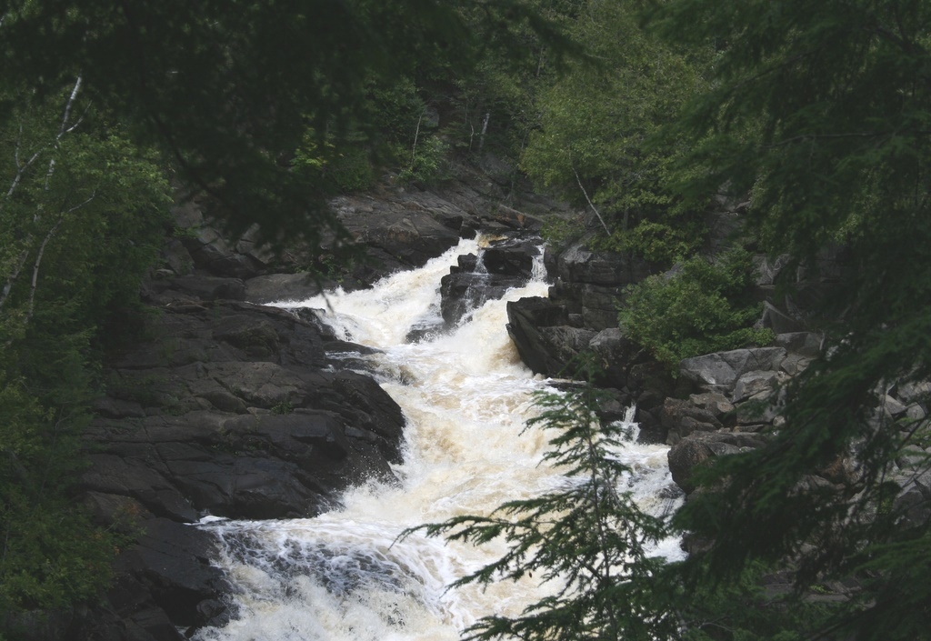 Ragged Falls ...
