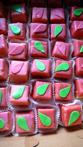 almond petit fours